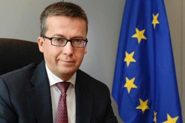 Az EU kutatásért, innovációért és tudományért felelős biztosa
